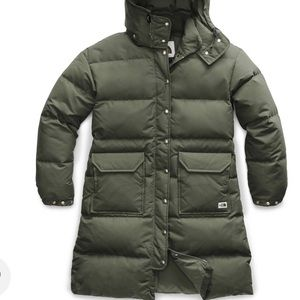 ⭐️BRAND NEW North Face winter jacket